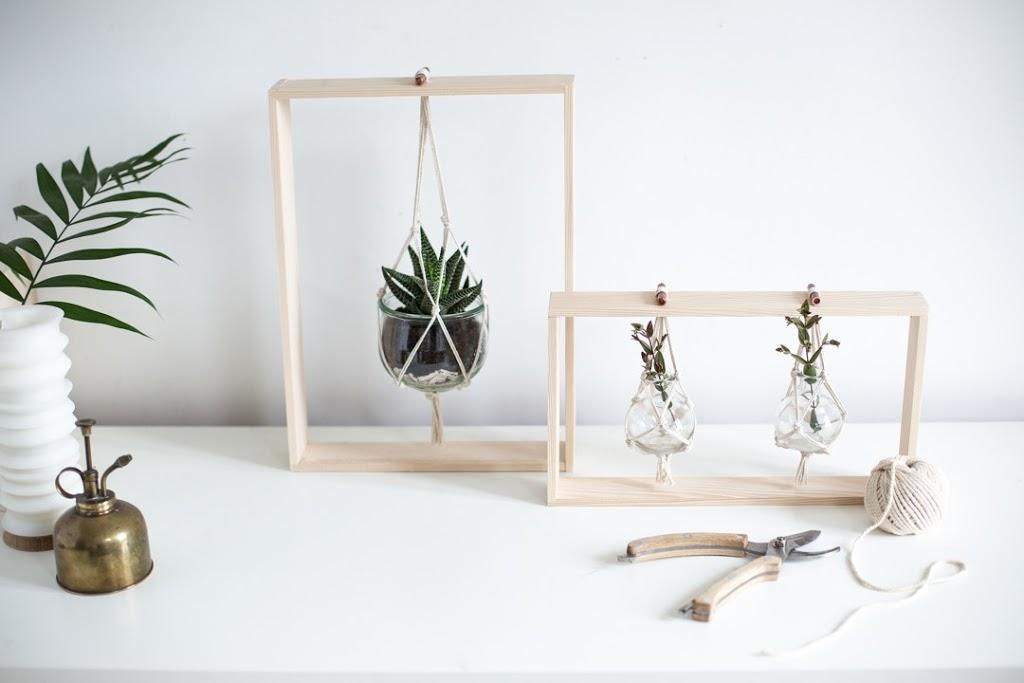 DIY Haz un bonito soporte de madera para colgar tus plantas