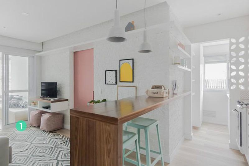 Un pequeño apartamento decorado en tonos pastel en Brasil